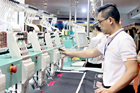 Xưởng may đồng phục đảm bảo chất lượng tại Tp.HCM